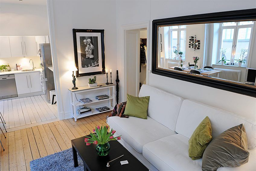 Maximize Space with Large Mirrors